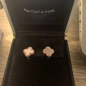 Van Cleef & Arpel Alhambra mother of pearl earring